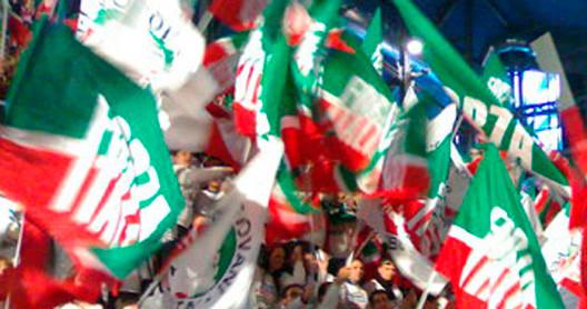 Conferenza stampa di forza italia a taranto chiarelli for Onorevoli di forza italia