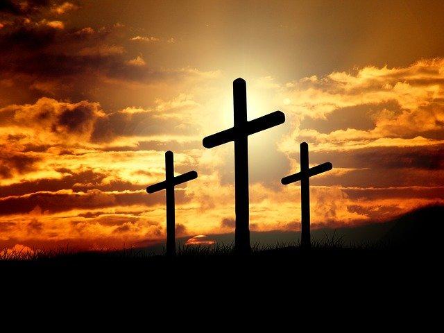 crosses-671379_640